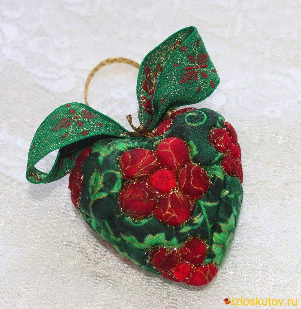 """Сердечко на ёлку """"Алый цветочек"""" № 319"""