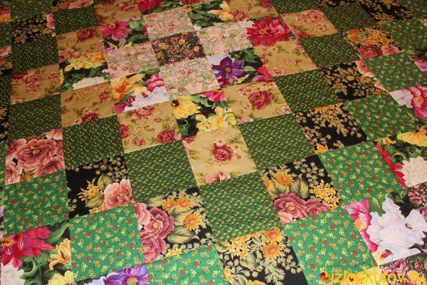 """Лоскутное одеяло / покрывало """"Цветы и трава"""" № 509"""