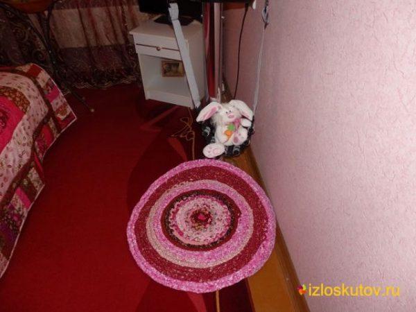 """Лоскутный коврик """"Розовый круг"""" № 354"""