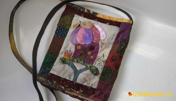 """Лоскутная сумочка """"Цветочный дом"""" № 752"""